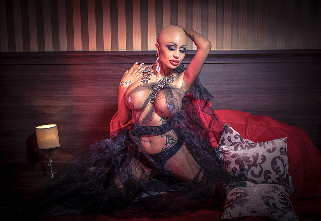 Djuliana Gani Posing Hairless